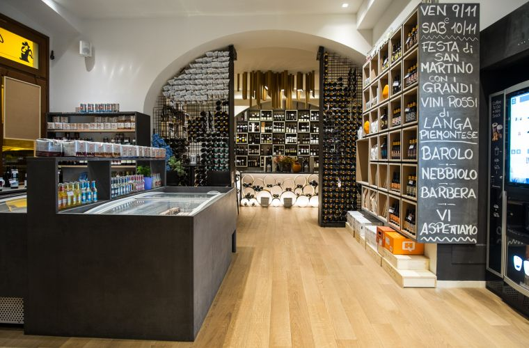 Arredamento Enoteca e Take Away Food GioVinoTo